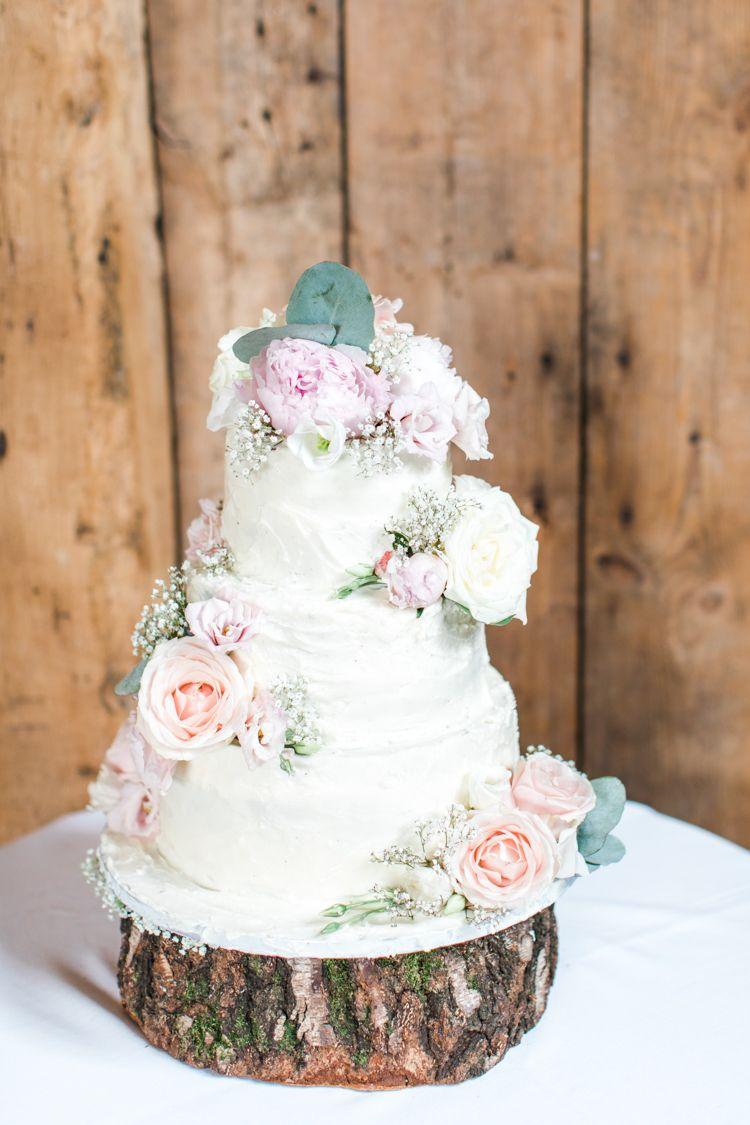 Pastels & Gold Pretty Summer Barn Wedding | Cake flowers, Pastels ...
