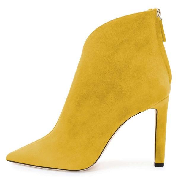 Yellow Suede Boots Cut Out Stiletto Heel #bloggerstyle #fashionaddict #fashionblogger #fashionable #fashionista#highheelslover#bestfashionoutfit #styleblogs #blogstyle #heelshoes#womensfashionstyle#handmadeshoes #highheels #highheelslover #photooftheday #picoftheday #shoedesigner#addictedtoheels #feetstagram #instaheels #alwaysheels#stripperheels #heelsfashion #blockheels #instaheels #highheelslover #heelsshoes #heelsoftheday