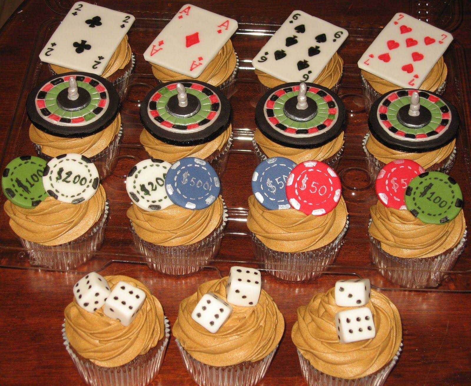Cool Casino Cup Cakes For Blog 1 6001 312 Pixels With Images Funny Birthday Cards Online Inifofree Goldxyz