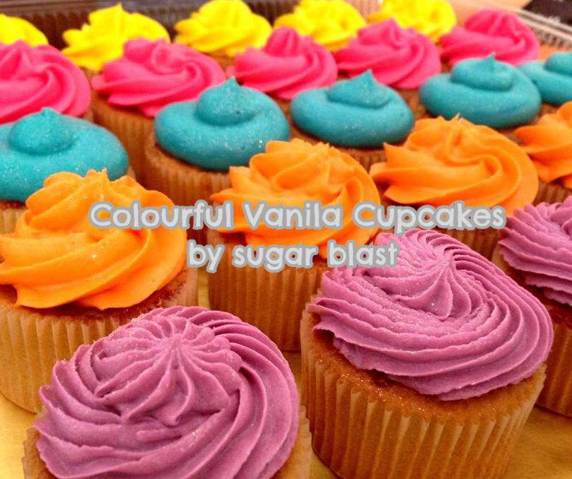 Vanilla Cupcakes with Colourful Cream Cheese !