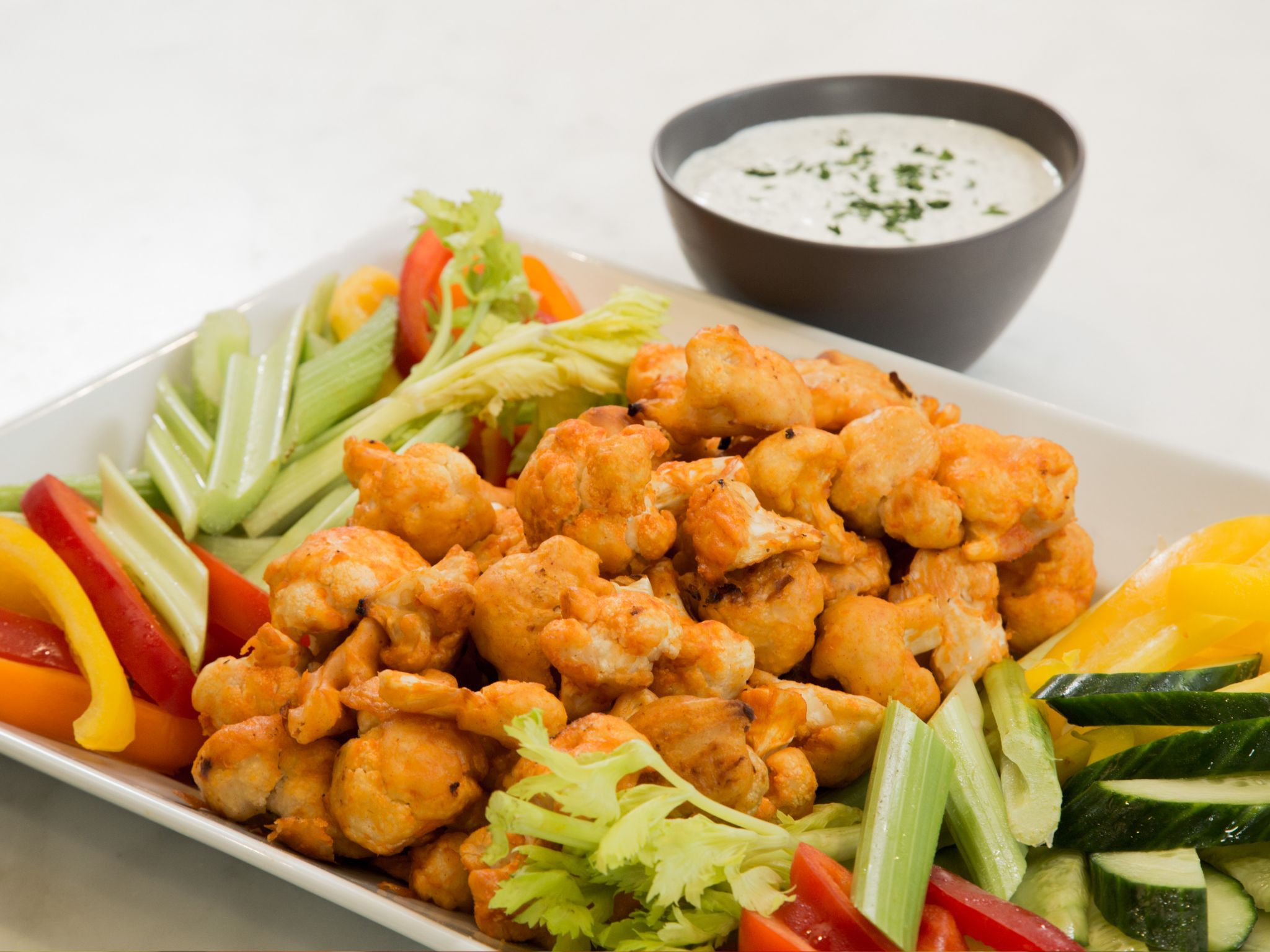 Cauliflower hot wings with buttermilk ranch dipping sauce receta cauliflower hot wings with buttermilk ranch dipping sauce receta comida y recetas forumfinder Images