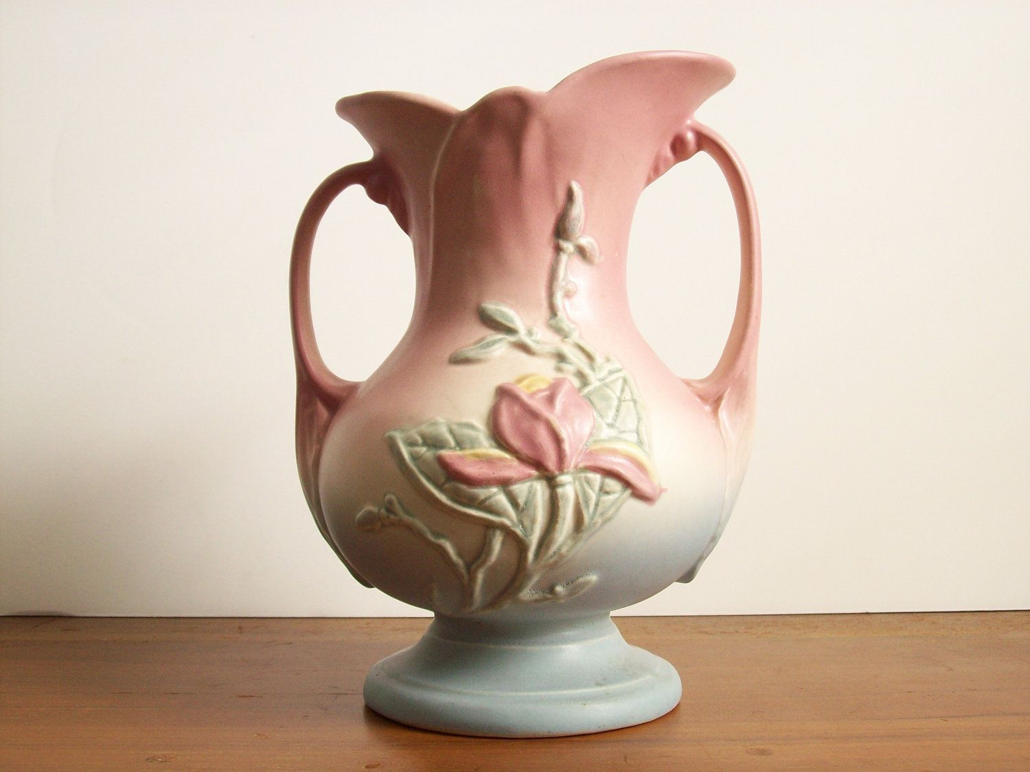 Hull Pottery Magnolia Vase 1940s Domicile In 2019