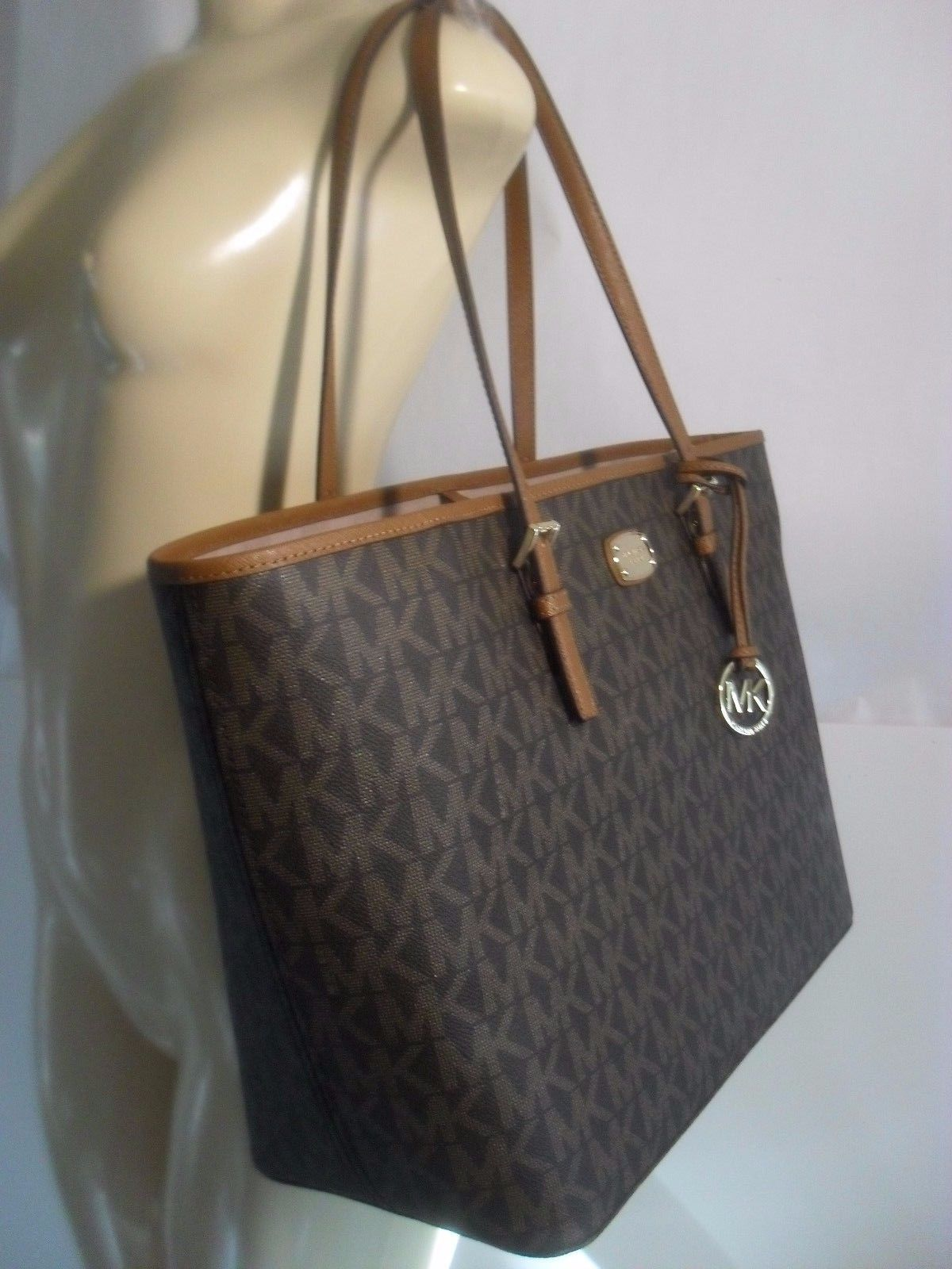 b73c28cc7a38 NWT Michael Kors Jet Set Brown MK Signature Carryall PVC Large Tote Shopper  Bag  129.95 https