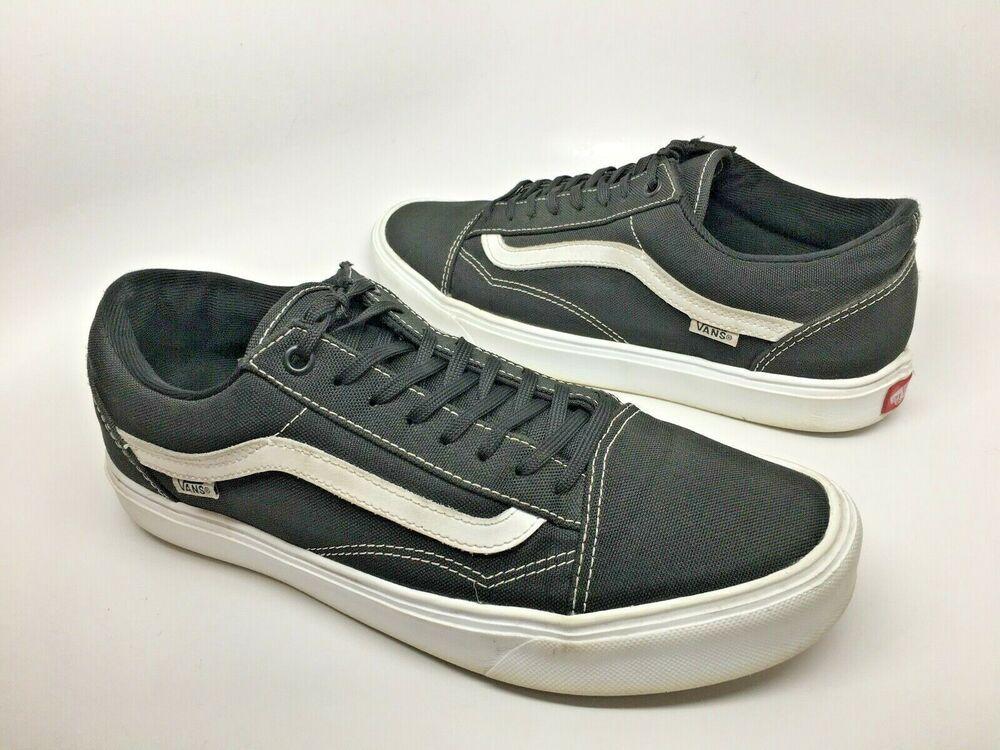 4e18a8fb44 VANS LXVI Classic Lite Mens Black and White Low Top Lightweight Sneakers  9.5 VGC  VANS