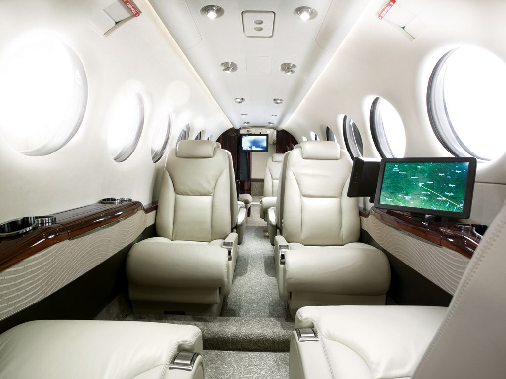 File embraer lineage 1000 interior forward cabin jpg wikimedia - Welcome To Aircraft Compare Beechcraft In The Air Pinterest Photos Welcome To And Interiors