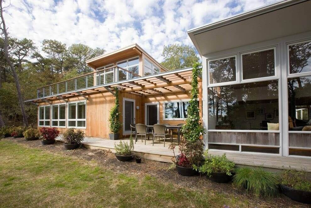 Pvc Roof Deck On Midcentury Modern Ranch House Metal Roof Houses House Roof Mid Century Exterior