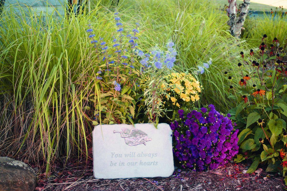 Memorial Garden Ideas | Create a Backyard Memory Garden ...