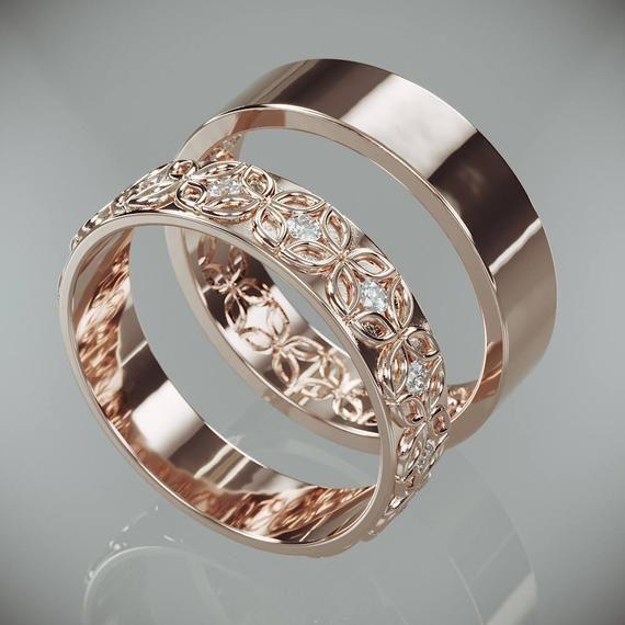 ✿ DAS JUWEL   Handgemachte solide 14 k rose gold Ringe in keltische Blume Stil set mit Diamanten.  Trauringe ist ein Schmuckstück, die Sie am meisten zu tragen. Daher sollte das Design zusammen mit allem gehen, die Sie tragen, aus einem Cocktail-Kleid zu Ihrer lässigen Outfit.  Diese