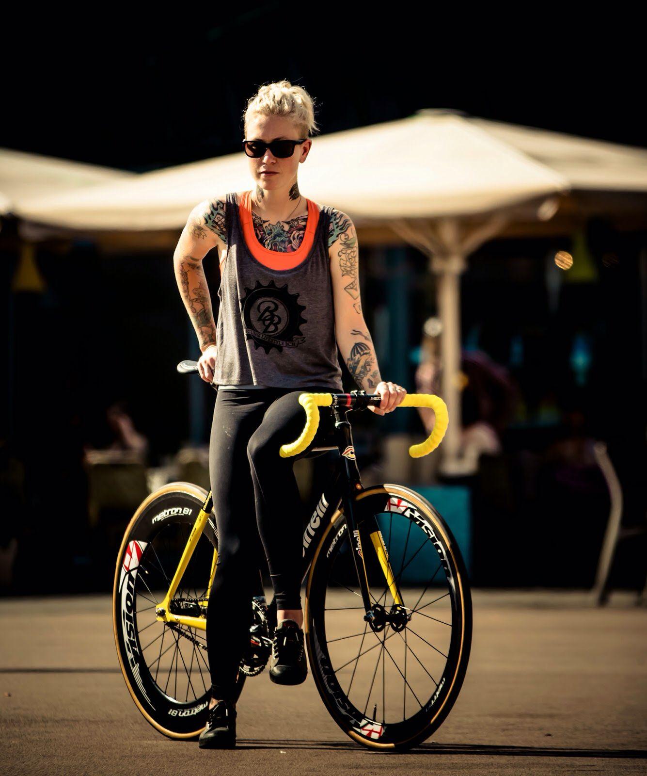 Kelli Samuelson @ 2014 Barcelona RED HOOK CRIT   Bikes