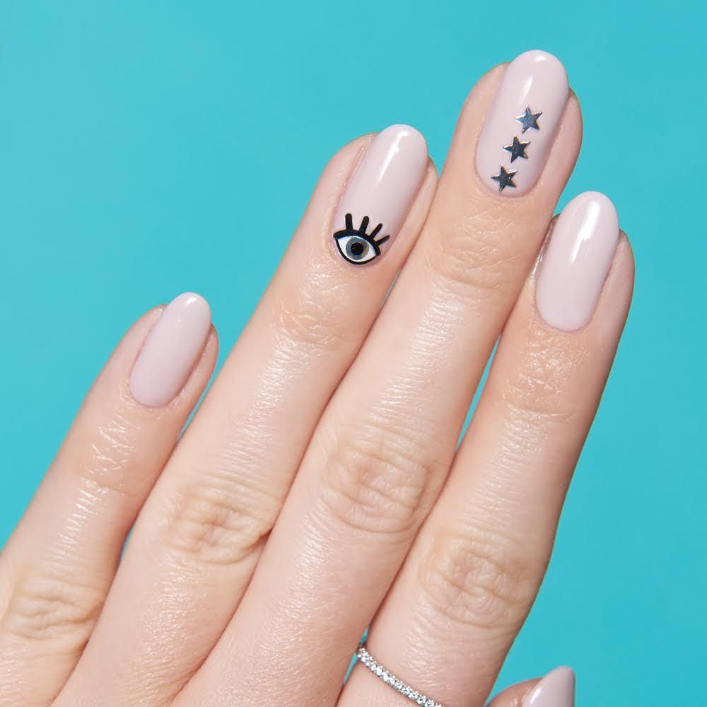 Star Nail Art Is Officially Trending This Summer In 2020 Short Nails Art Nails Pretty Nail Art