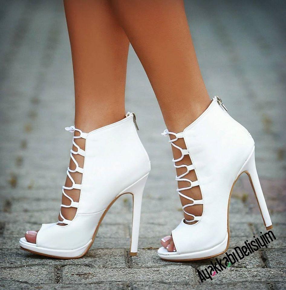 ee24a0310dca White sandal