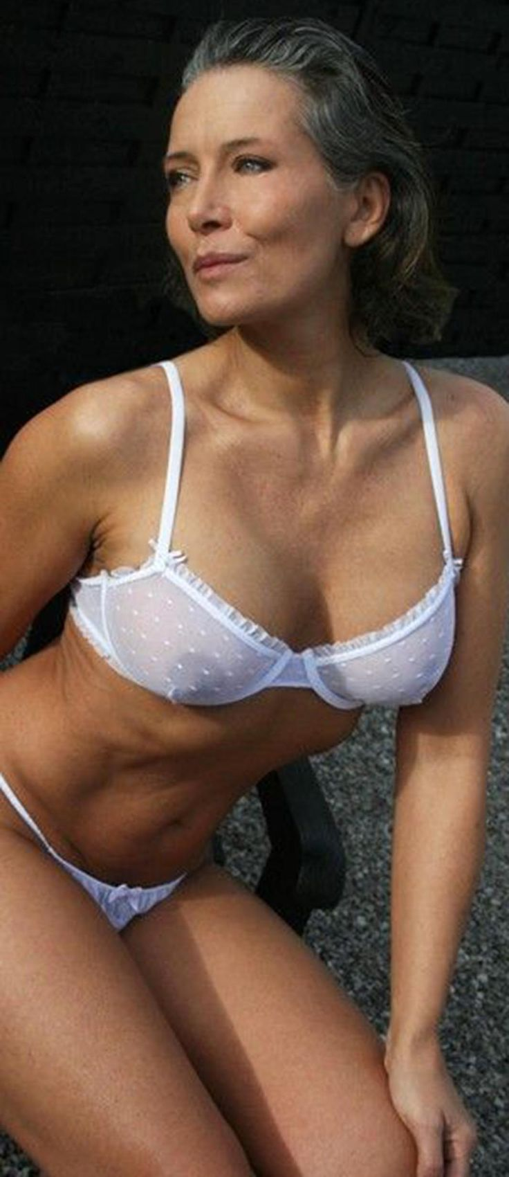 eland milf women Mature brothel - sexy mature women pics welcome to maturebrothelcom your best source of mature and older women galleries.