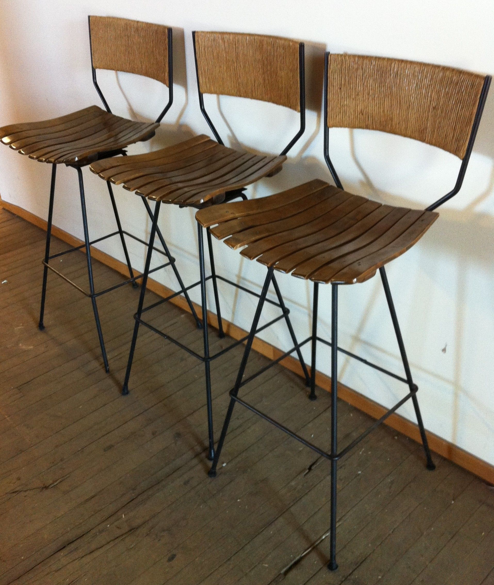 Pin By Furnishly Com On Chicago Listings Rattan Bar