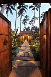 Photo of Materials for tropical garden feeling – natural wood and structured …,  #Feeling #garden #m…