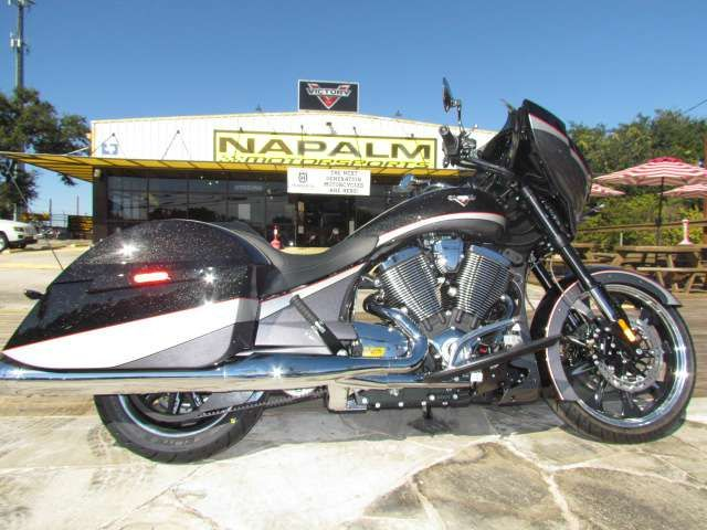 2016 Victory Magnum Black Crystal Super Steel Gray motorcycles