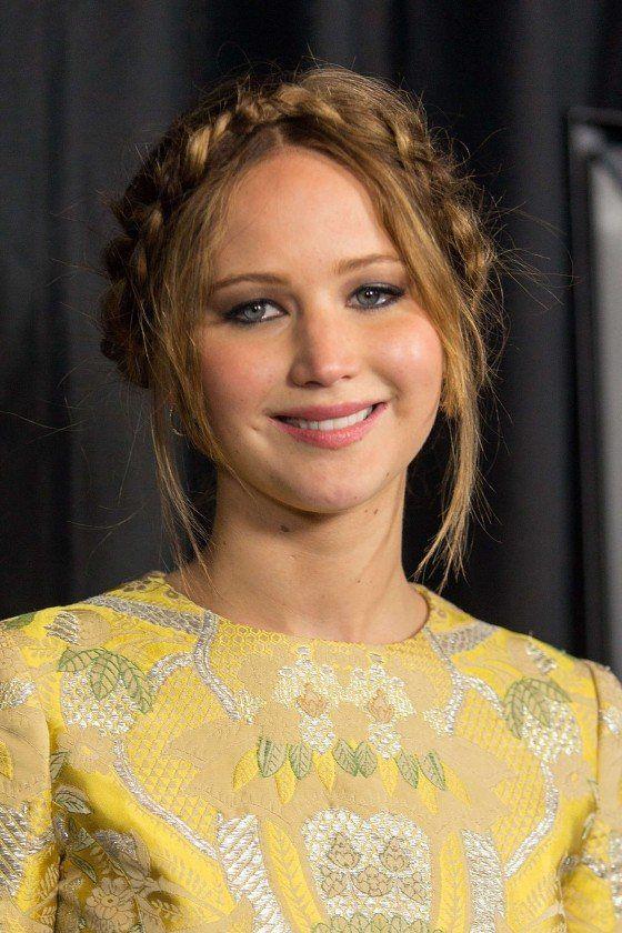Beautiful Milkmaid Braid On Jennifer Lawrence Best Braids - Diy hairstyle knotted milkmaid braid