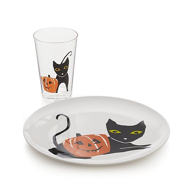 The perfect pairing for Halloween, a black cat poses with a smiling jack-o'-lantern on our exclusive clear acrylic tumbler. Pair with coordinating paper napkins and melamine plates.