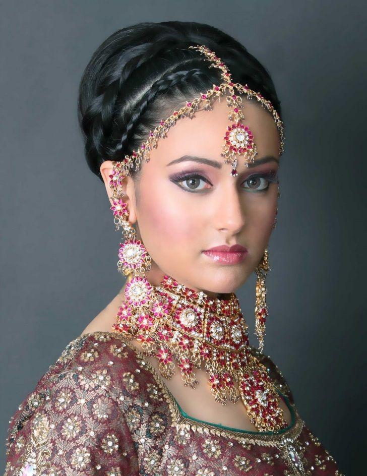 Indian Wedding Hairstyle Bun Bridal Hairstyle South Indian Wedding Bridal Hairstyle For Indian Wedding Videos Ind Gaya Rambut Aktris Bollywood Wanita Cantik