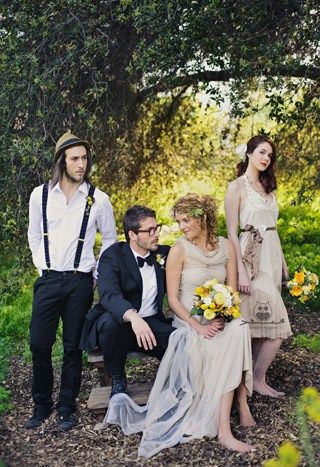 Best man and maid of honor with bride and groom photoshoot ideas best man and maid of honor with bride and groom junglespirit Images