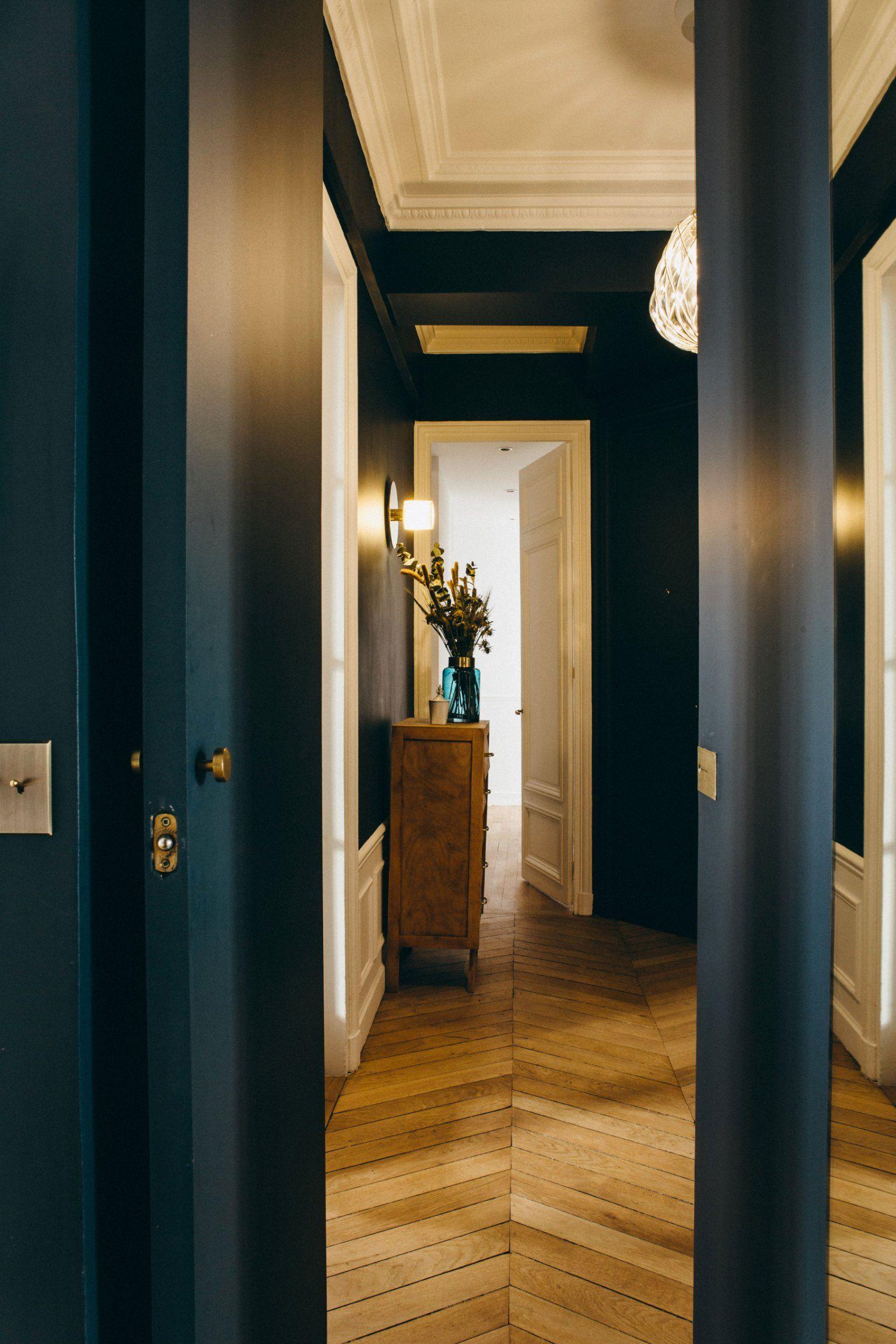 Un appartement haussmannien réinventé avec brio
