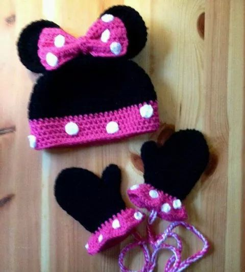 Minnie mouse hat and mittens | Crochet/ Knitting | Pinterest