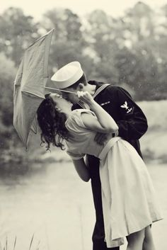 Old Fashioned Kisses Google Search Kissing In The Rain