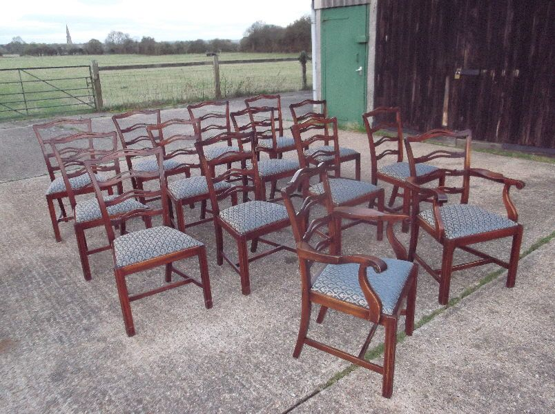 Set 14 Antique Mahogany Dining Chairs   Fourteen Georgian Revival Mahogany  Dining Chairs With Carvers