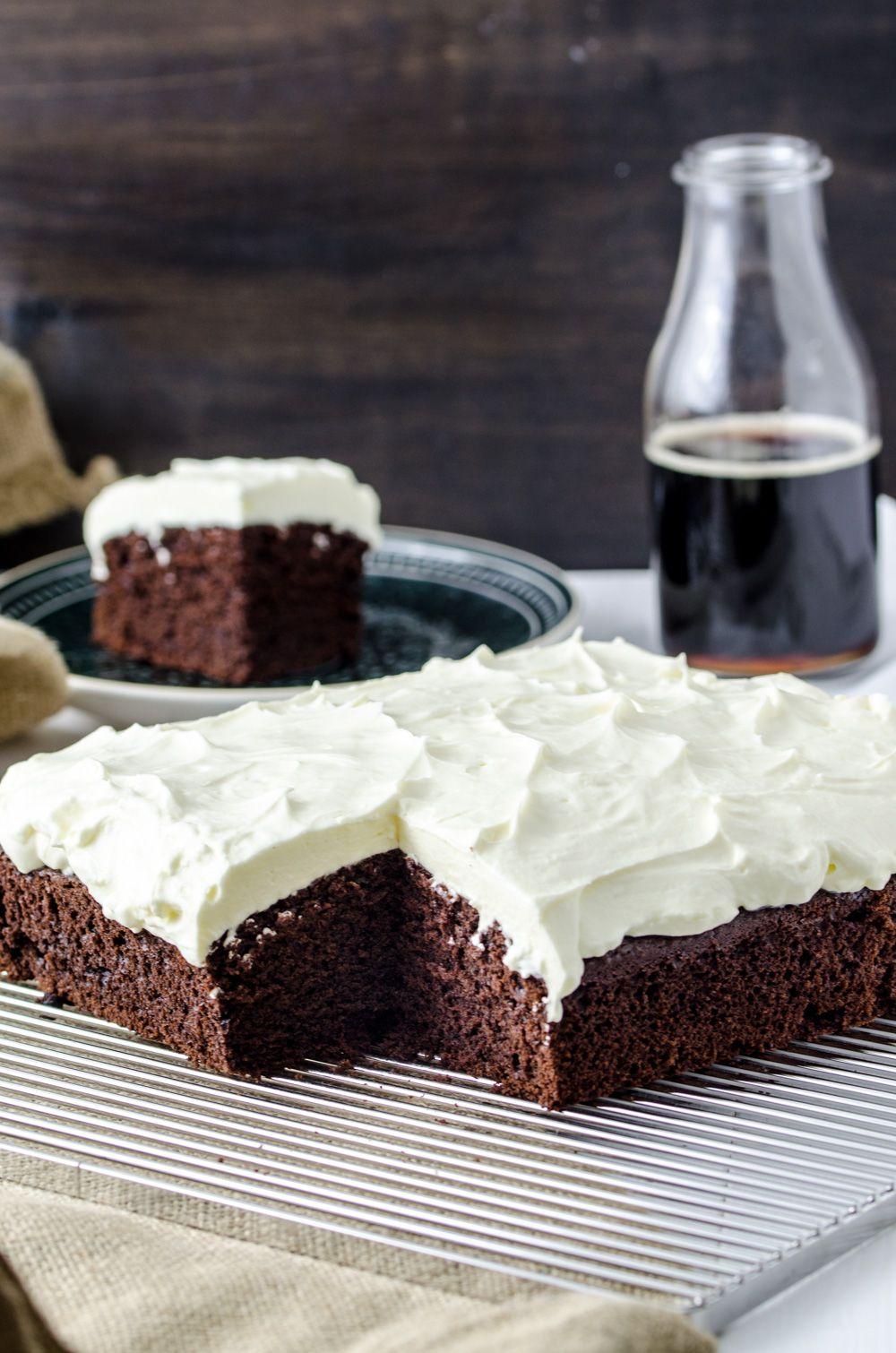 Schwarzbier Kuchen Mit Frischkase Topping Kuchen