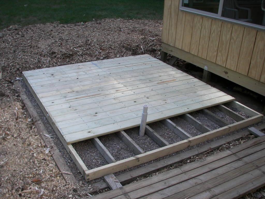 Idee de fondation a bon marcher pour spa spa hot tube for Balcony platform