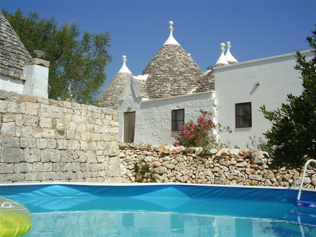 trulli for rent puglia italy apulia trullo house rental trulli puglia italy pinterest. Black Bedroom Furniture Sets. Home Design Ideas