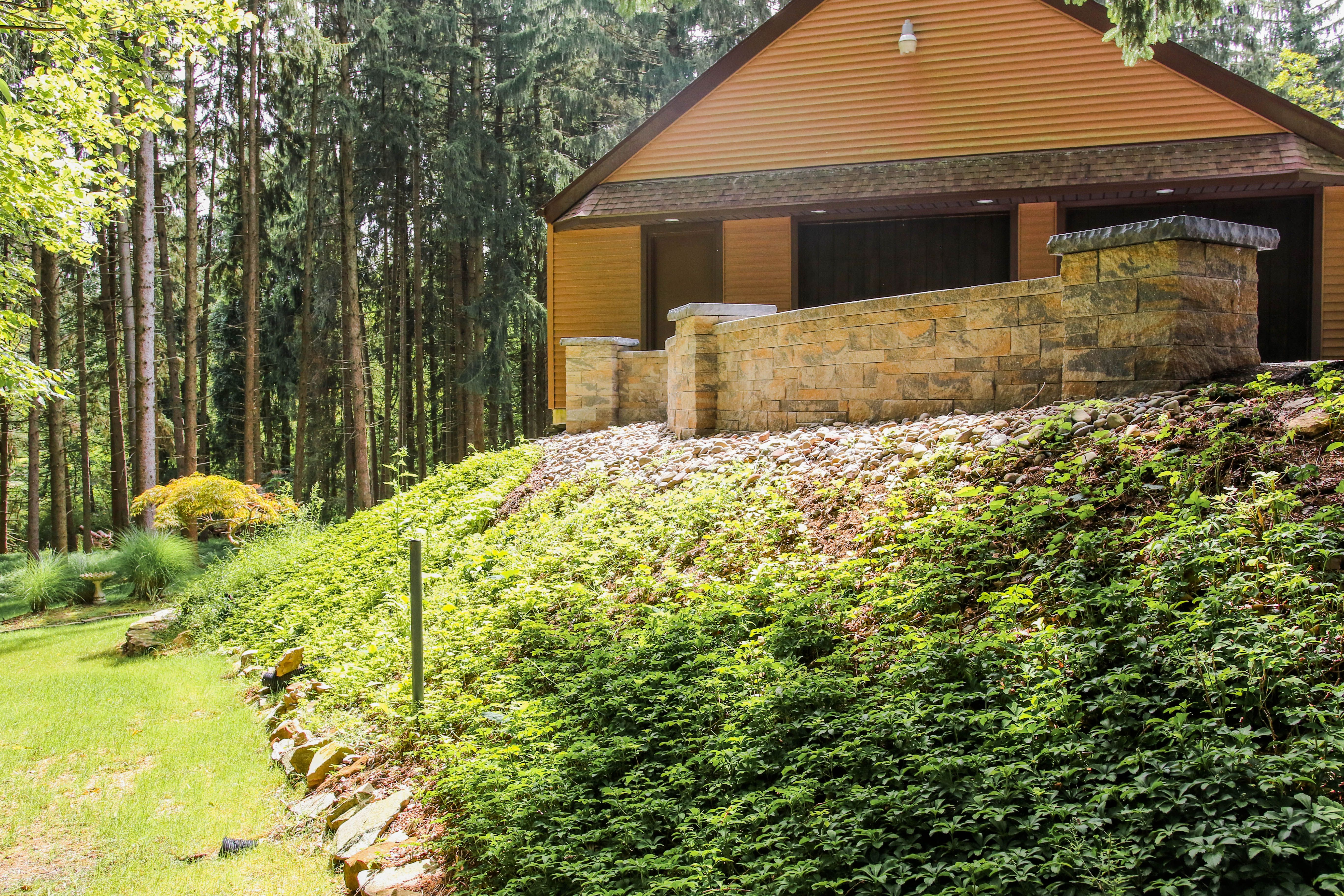 Find A Retaining Wall Builder Installer In Lancaster County Pa Retaining Wall Hardscape Wall