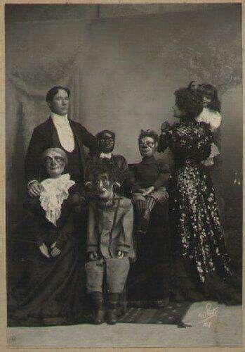 Family Portrait Creepy Vintage Creepy Images Creepy Pictures