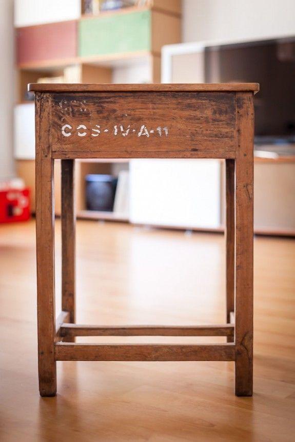 in diesem tisch aus verwittertem holz haben vor langer zeit kinder, Esstisch ideennn