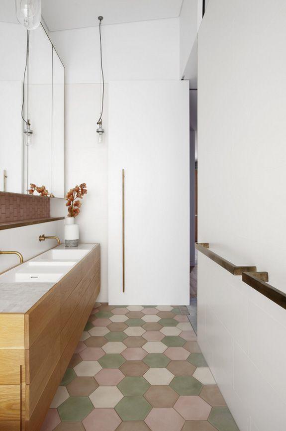 salle de bain tomettes. Black Bedroom Furniture Sets. Home Design Ideas