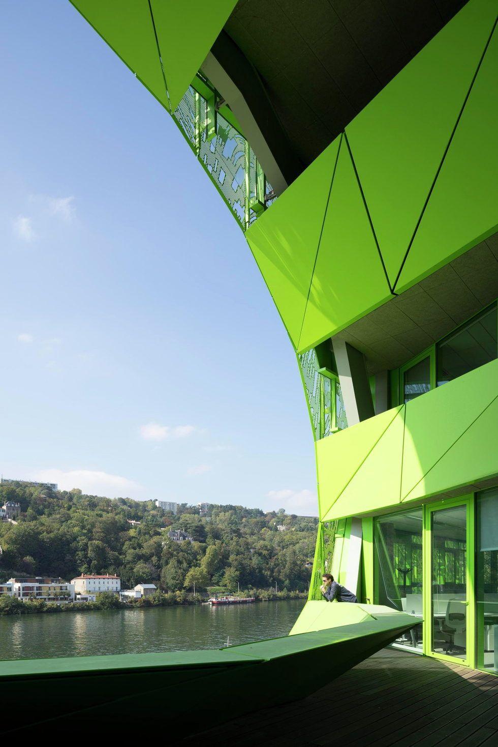 Штаб квартира Euronews в Lion от Jakob MacFarlane Architects