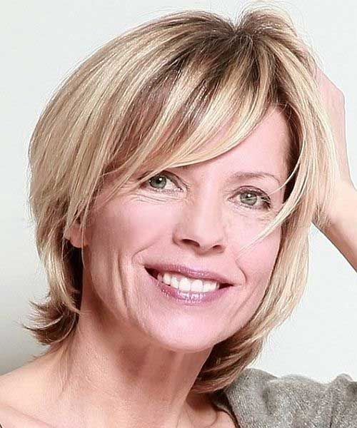 Layered Hairstyles For Women Over 50 Halblang Frisuren Kurz