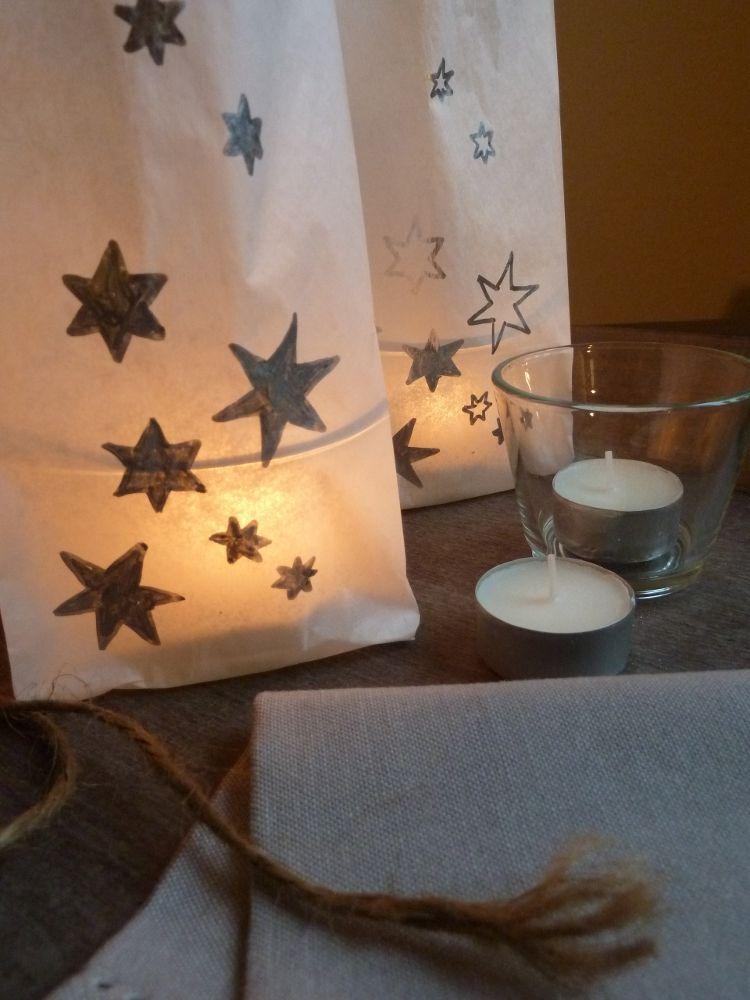 diy mit anleitung selbstgemachte windlichter aus butterbrott ten zaubern weihnachtsstimmung auf. Black Bedroom Furniture Sets. Home Design Ideas