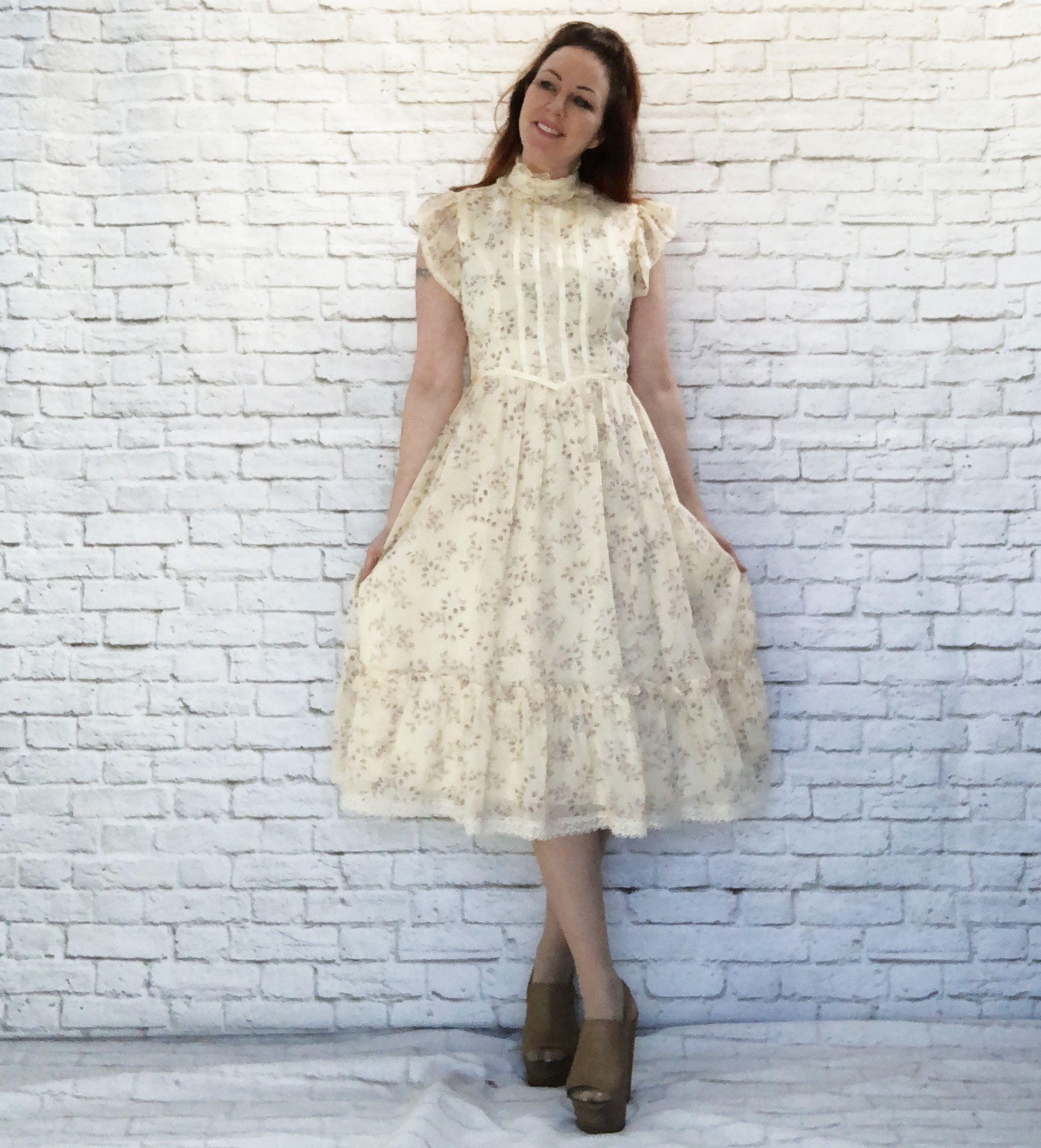 Vintage 70s Gunne Sax Victorian Prairie Flutter Sleeve Dress Etsy Flutter Sleeve Dress Vintage Dress 70s Dresses [ 2311 x 2095 Pixel ]