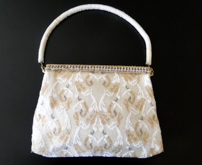 Buyer & Seller of Antique Lace, Fine Linens, Vintage Clothing, Haute Couture, Textiles, Fans: Antique Purses