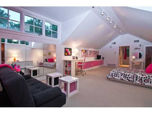 This is such a cool room dream bedroom attic rooms - Cool beds for teens ...