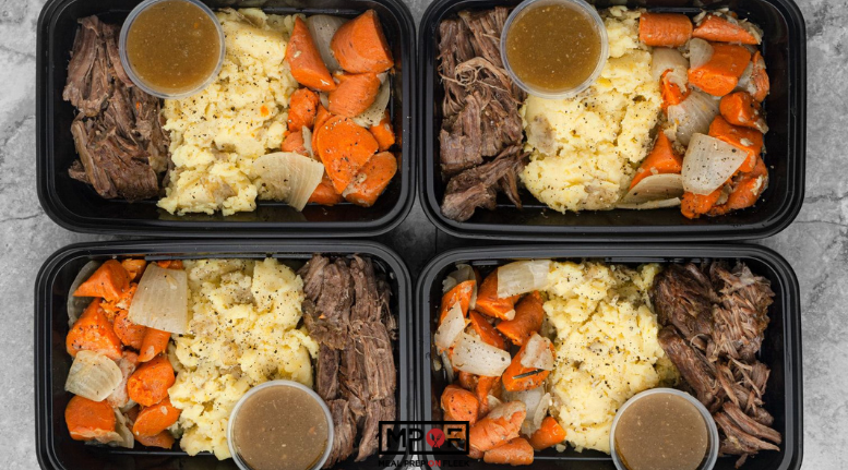 Instant Pot Roast with Mashed Potatoes - Meal Prep on Fleek™ #instantpotmashedpotatoes