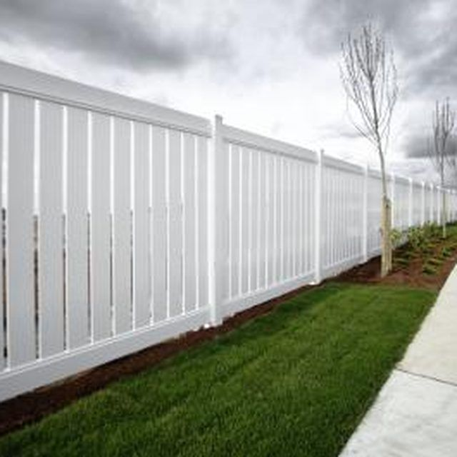 Vinyl Lattice Fence Building Instructions In 2019 Soft