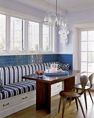 Elledecorbanquette Table Enbois Et Banquette Bleue Et Blanche - Table salle a manger avec banc pour idees de deco de cuisine