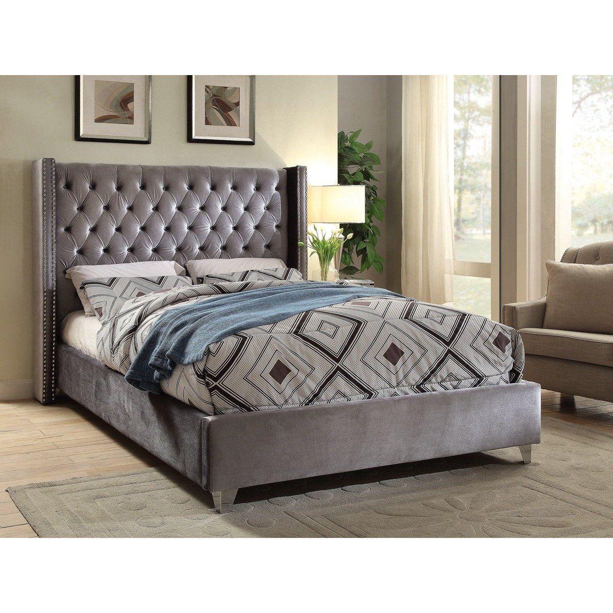 Best Meridian Furniture Aiden Grey Velvet Queen Bed With 400 x 300