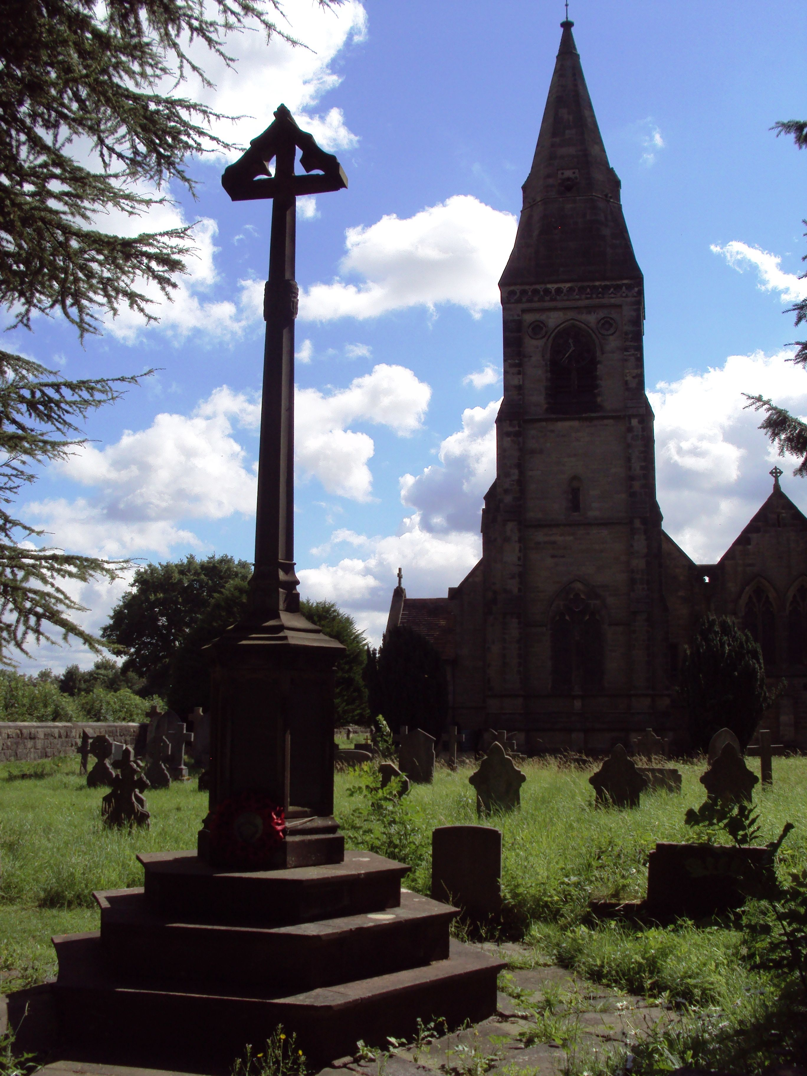 Rangemore, Staffordshire War memorial, Lamp post