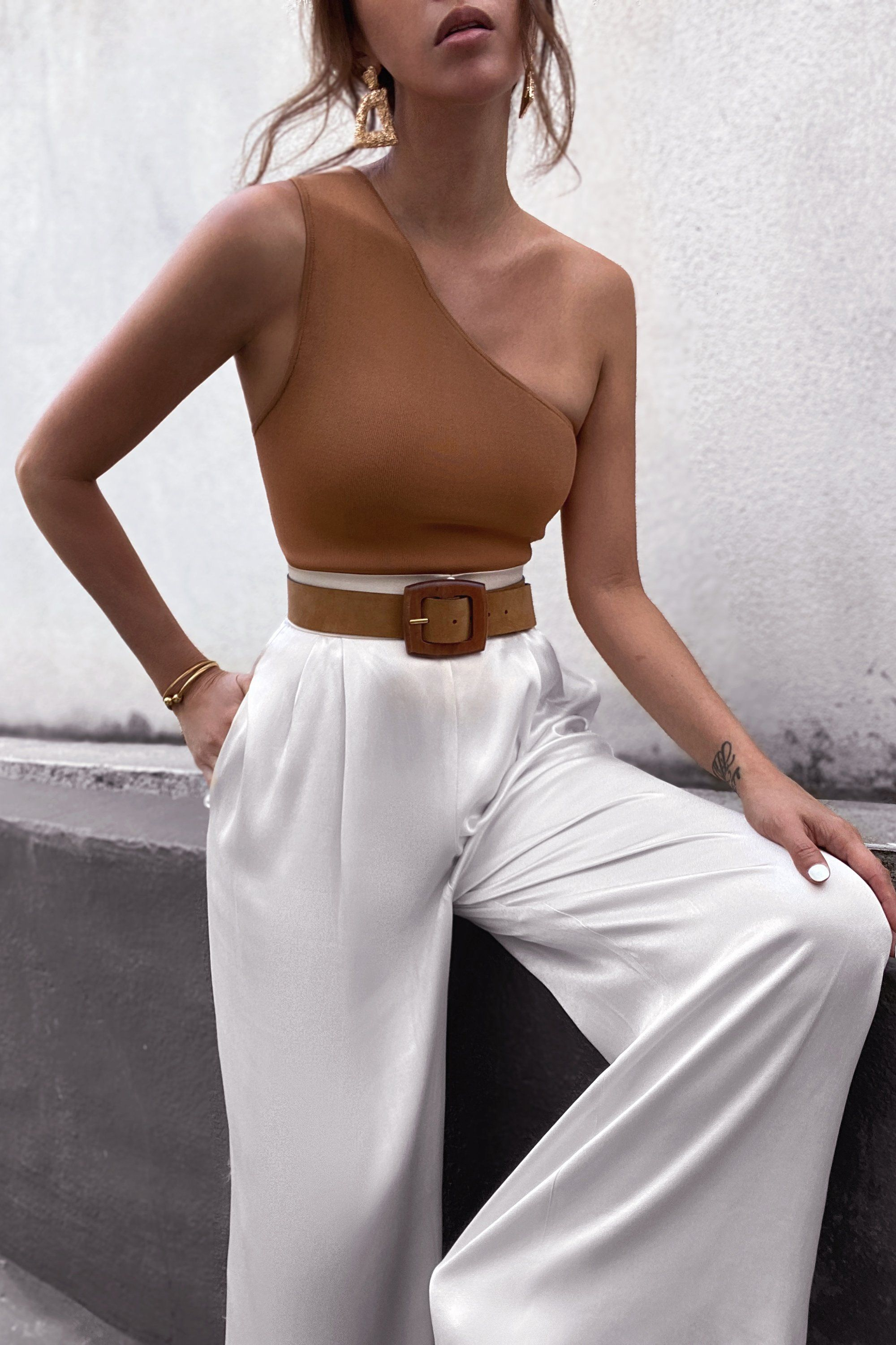Basic one shoulder top - tan