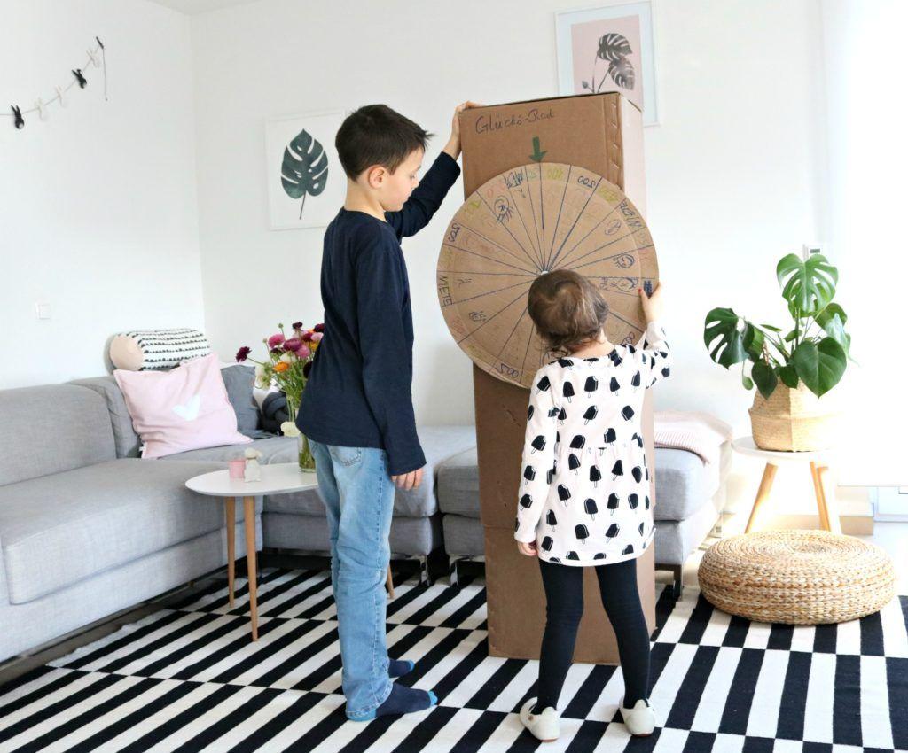 Spielideen Fur Kinder Z B Bauen Mit Pappkartons Spielideen Spielideen Fur Kinder Und Pappkarton