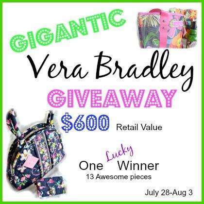 Vera Bradley Giveaway - LOVE this!! #VeraBradley #giveaway