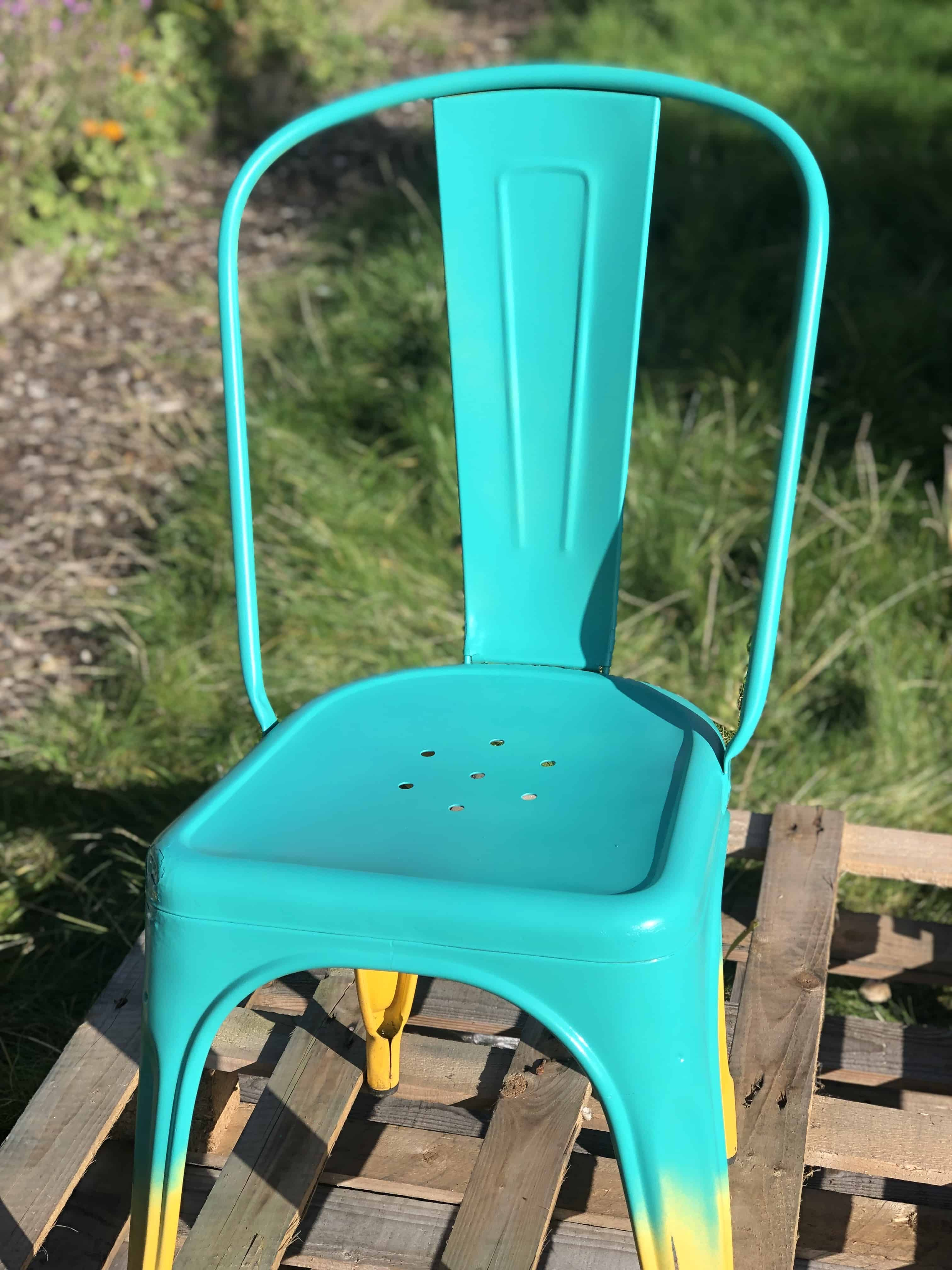 How to spray paint a metal chair easy ombre upcycle