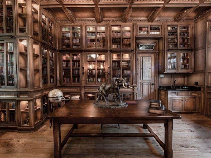 Decouvres La Meilleure Boutique De Steampunk Bibliotheque A Domicile Plafond A Caissons Maison Steampunk